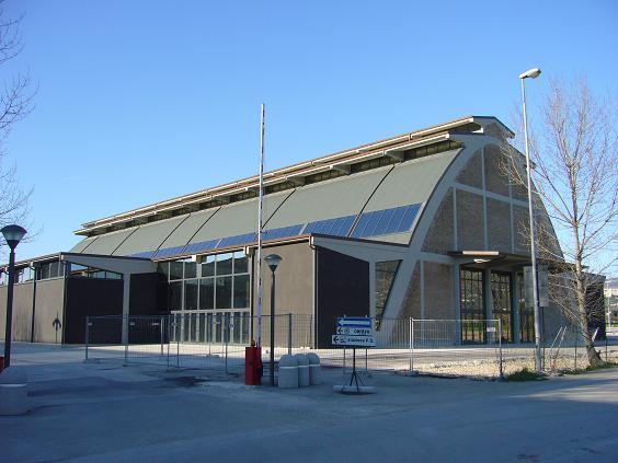 Il magazzino Nervi di Assisi, ora un moderno centro polivalente